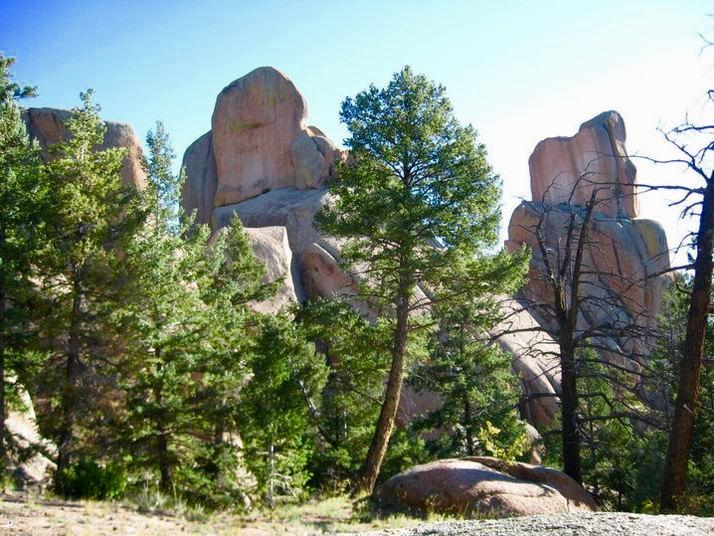 BC-trail_rock